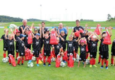 Strahlende Gewinner bei Schanzer Fußballschule in Sandersdorf